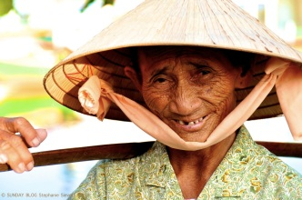 Old lady, Vietnam