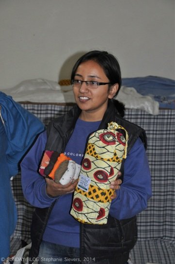 Sanitary napkins, final product and bag of 15 items for 3 months